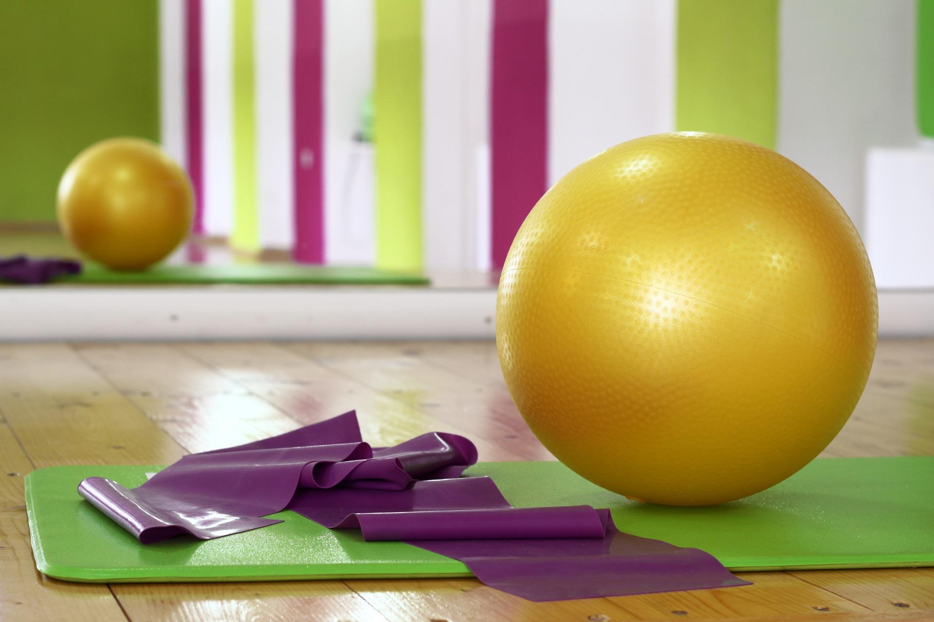Yogaball und Matte